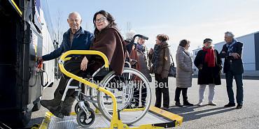 Wheelchair rtransport per luxurious wheelchair coach Royal Beuk