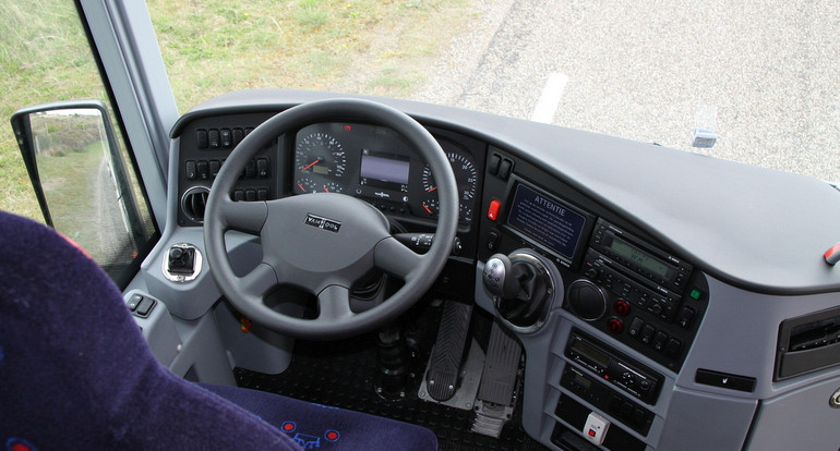 Koninklijke Beuk, Business Class vervoer, Business Class touringcar cockpit