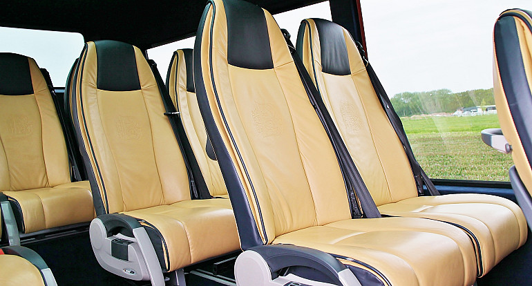Koninklijke Beuk, Comfort Class vervoer, mini busje, interieur VIP mini bus
