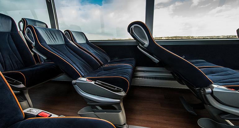 Koninklijke Beuk, Royal Class bus trips, Royal Class armchairs
