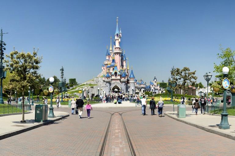 Koninklijke Beuk, Schoolreisje, Disneyland