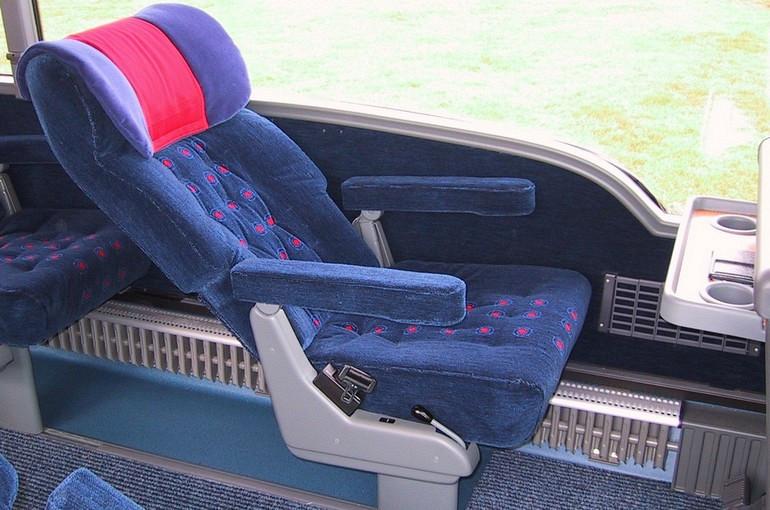 Koninklijke Beuk, Business Class vervoer, Business Class touringcar fauteuil