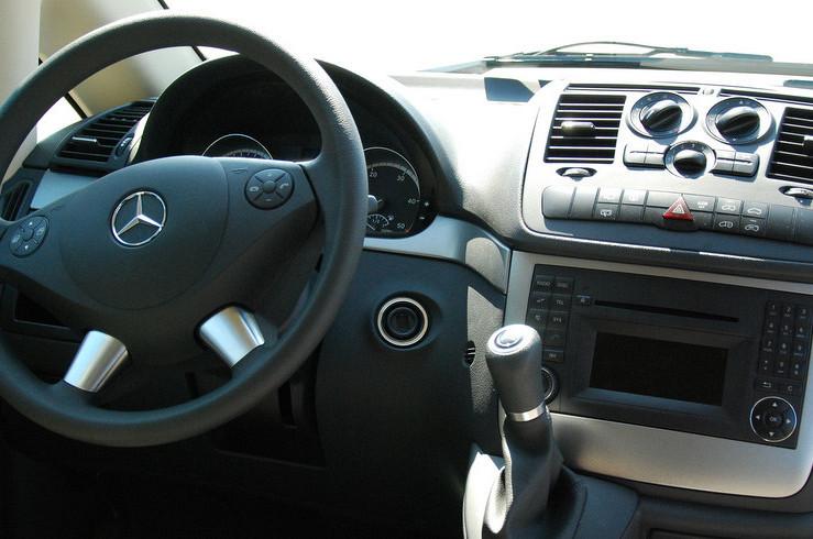 Koninklijke Beuk, Comfort Class vervoer, mini busje cockpit