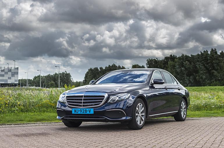 Koninklijke Beuk, Taxi vervoer, limousines, Mercedes E Klasse
