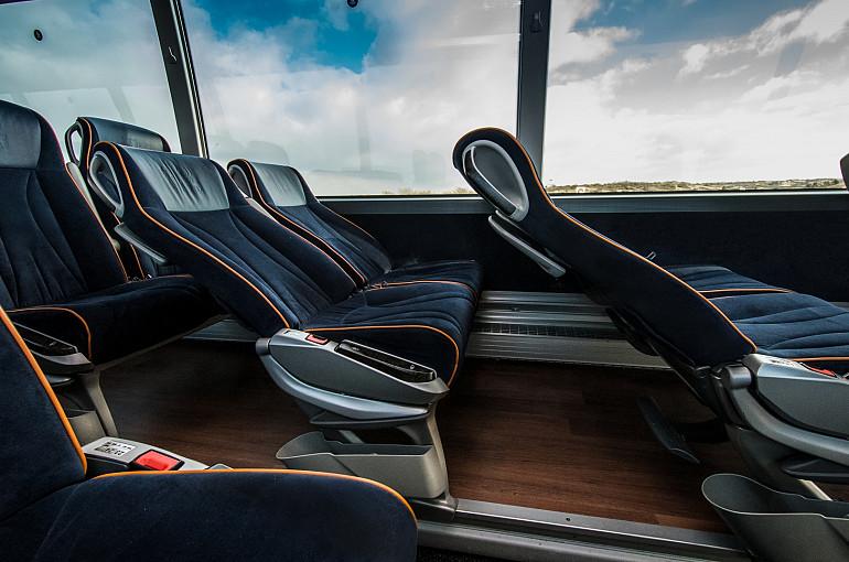 Koninklijke Beuk, Royal Class busreizen, Royal Class fauteuils