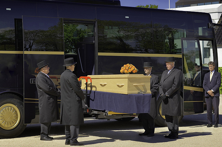 Royal Beuk, Funeral coach
